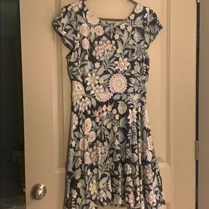 Stretchy floral dress